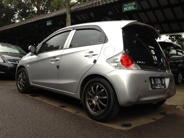 44 Modifikasi Mobil Brio Silver Gratis