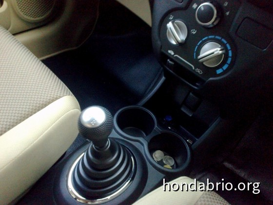 review_honda_brio_indonesia_13