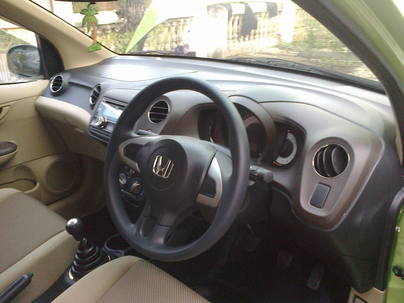 review_honda_brio_indonesia_8