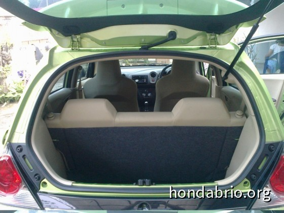 review_honda_brio_indonesia_17