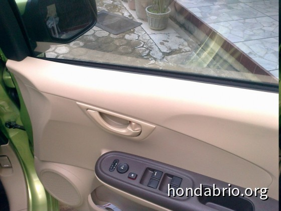 review_honda_brio_indonesia_16
