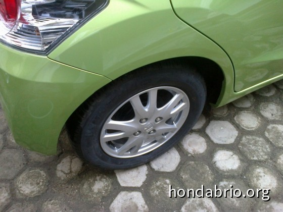 review_honda_brio_indonesia_18